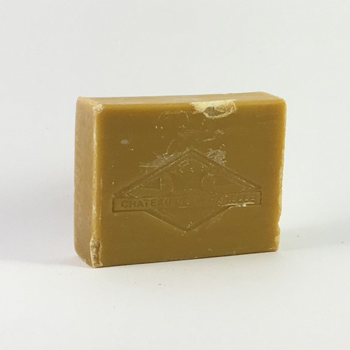 Natural treatment for acne or greasy skin this soap is made in Provence with honey and propolis