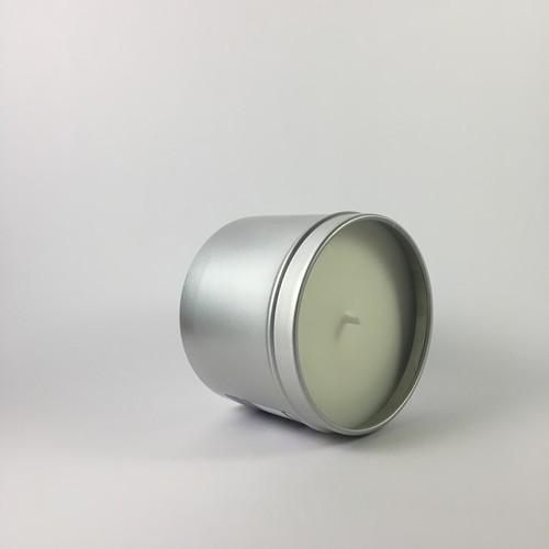 Scented candle perfumed without chemicals and with essential oil lavender almond poppy from Provence