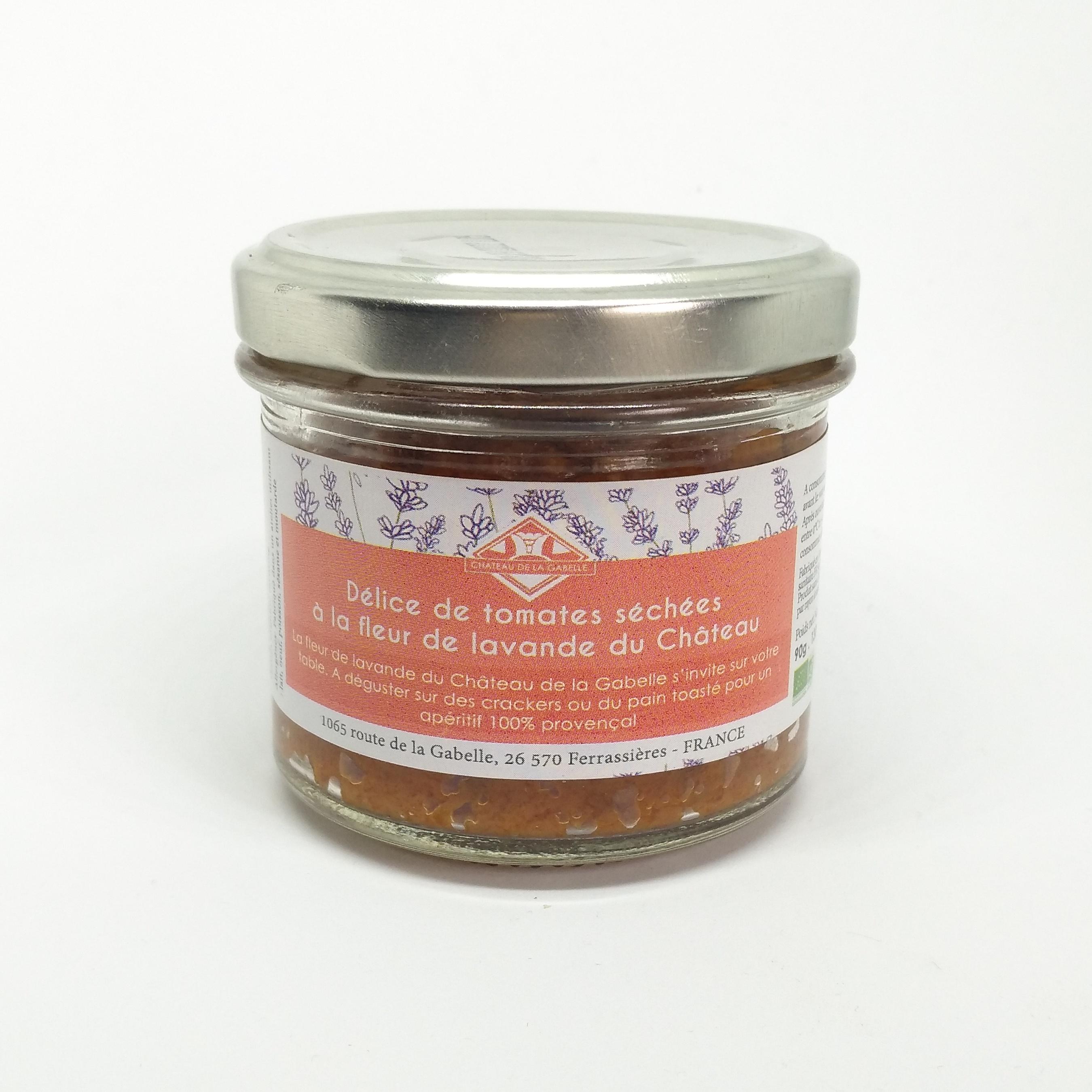 Une verrine originale à la tomate séchée avec une touche de Provence grâce à la fleur de lavande subtilement rajoutée