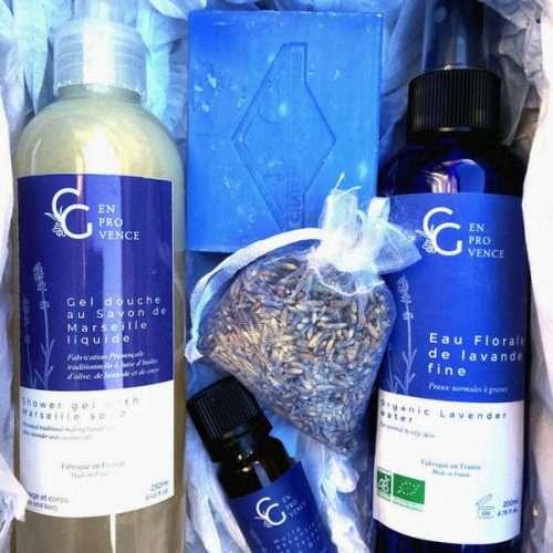 Coffret chic pour Noël 2020 avec des produits à la lavande bio de Provence