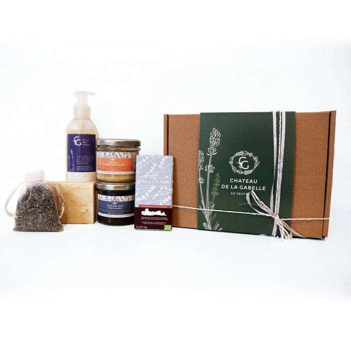 Coffret cadeau femme pour Noël 2020 créé avec des produits bio et locaux à la lavande