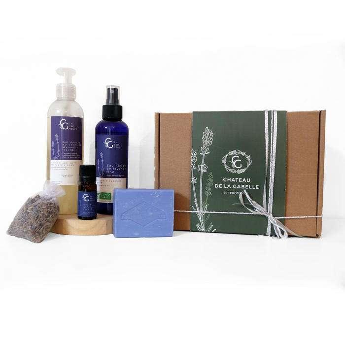 Coffret cadeau femme pour Noël avec des produits de beauté naturel pour prendre soin de soi et retrouver de la sérénité et de la zénitude