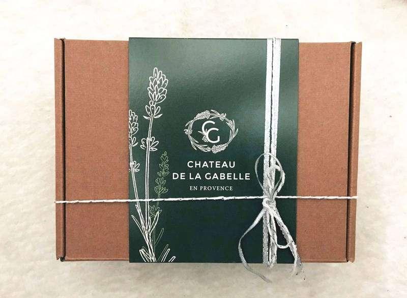 Un coffret cadeau pour Noël qui ravira vos proches à la recherche de produits locaux fabriqués par des artisans producteurs dans le sud de la france