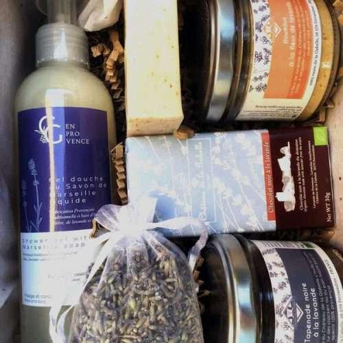 Coffret cadeau pour les fêtes de Noel de produits régionaux locaux et artisanaux de Provence
